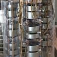 Celem eksperymentu GERDA jest badanie natury neutrina i próba wyznaczenia jego masy efektywnej. Wykorzystywana do tego jest jedna z najbardziej czułych metod, jaką jest obserwacja podwójnego bezneutrinowego rozpadu beta (0νββ),...